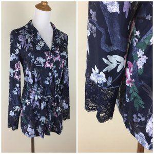 NWT LA VIE EN ROSE Floral Lace Sleeve Robe Shirt